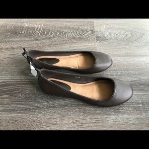 Women's GAP Brown Flat Size 7